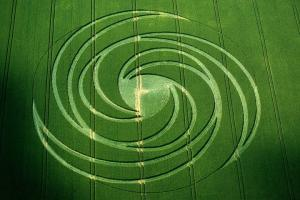 22.) Spiral Crescents, Hackpen Hill, UK (1999)