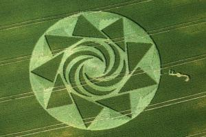 24.) Crescents and Pyramids, Cherhill, UK (1999)